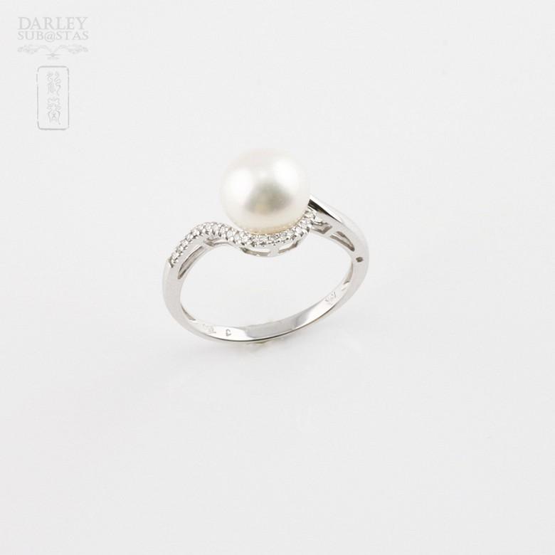 圆白珍珠配钻石18K白金戒指 - 3