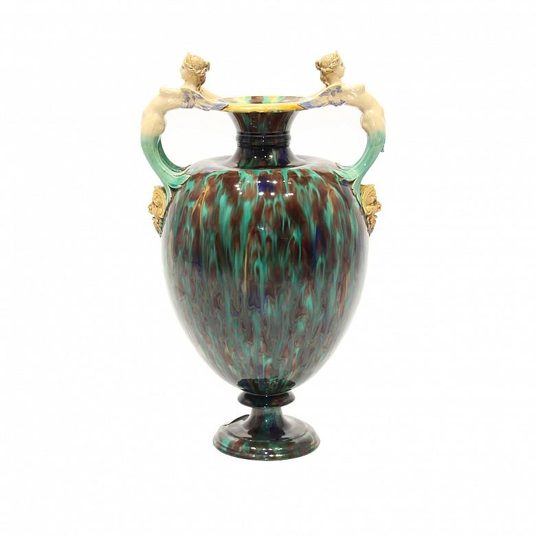 Ánfora de cerámica esmaltada, Minton & Co., 1836-1904