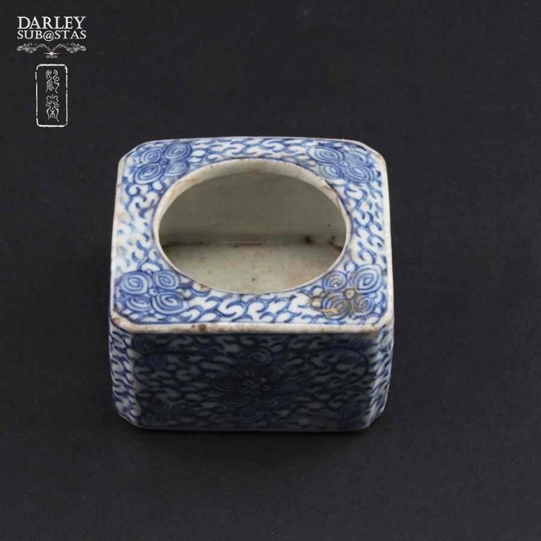 十九世纪 青花瓷盒