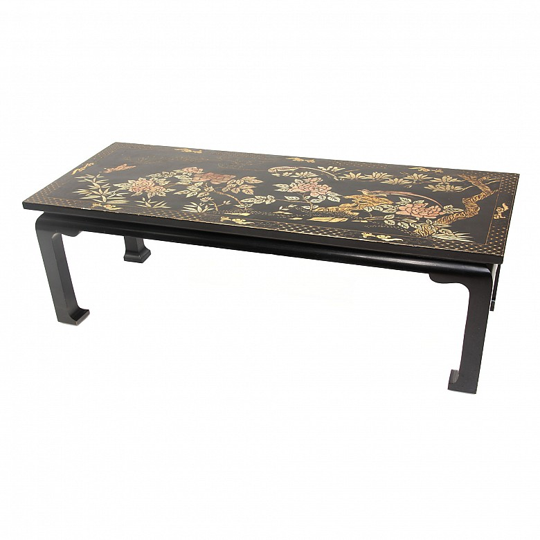 A Chinese black lacquered low table, 20th century