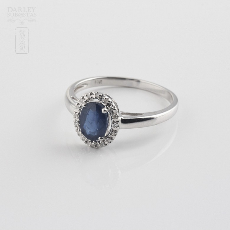 Ring  with sapphire 0.93cts and diamond in white gold - 1