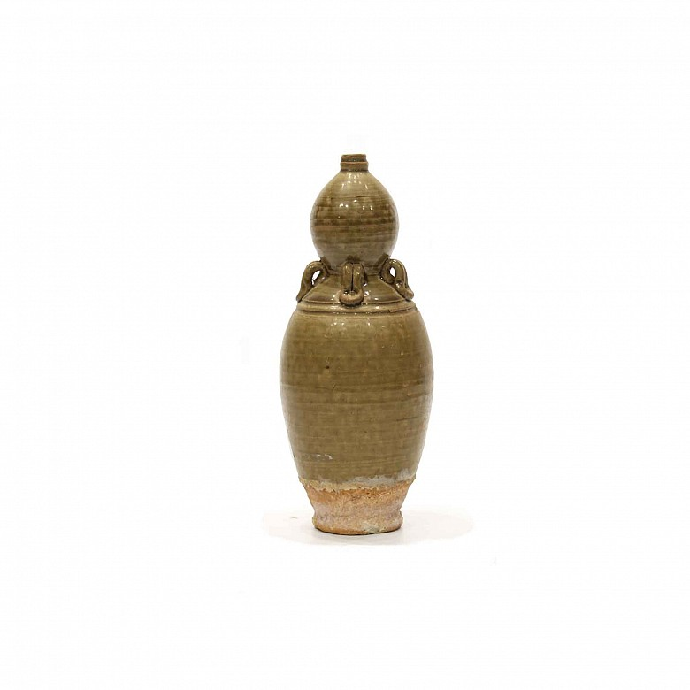 Double Gourd shape bottle with olive glaze, Song dynasty style.