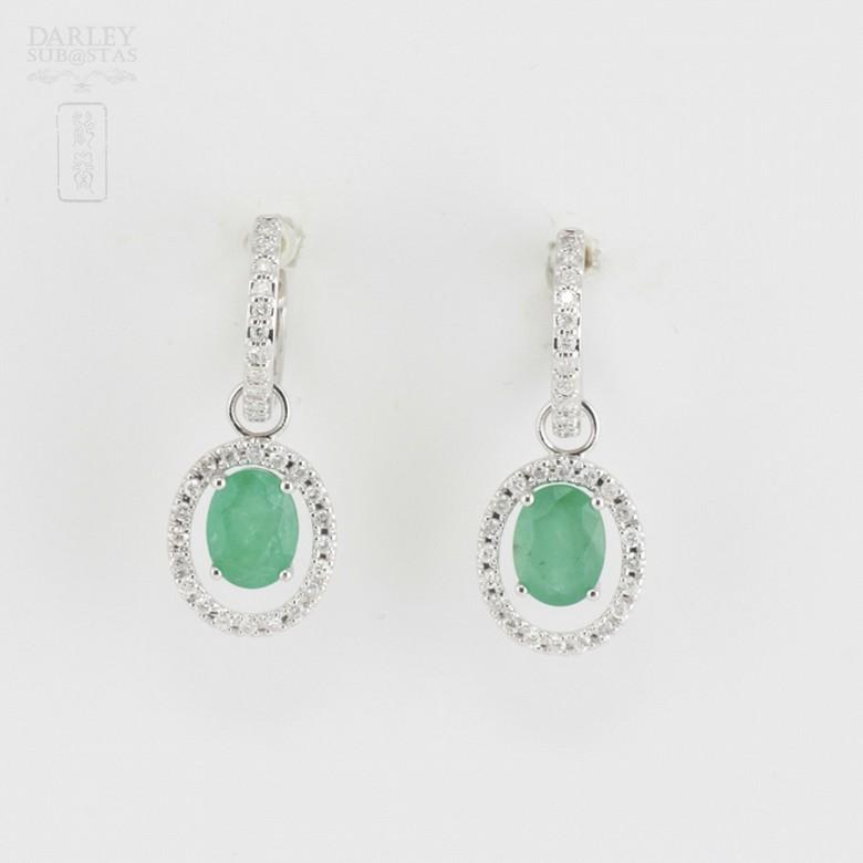 Fantastic diamond and emerald earrings