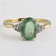Ring emerald  1.78cts and diamond 18k yellow gold
