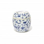 Vasija con tapa en porcelana china, s.XIX