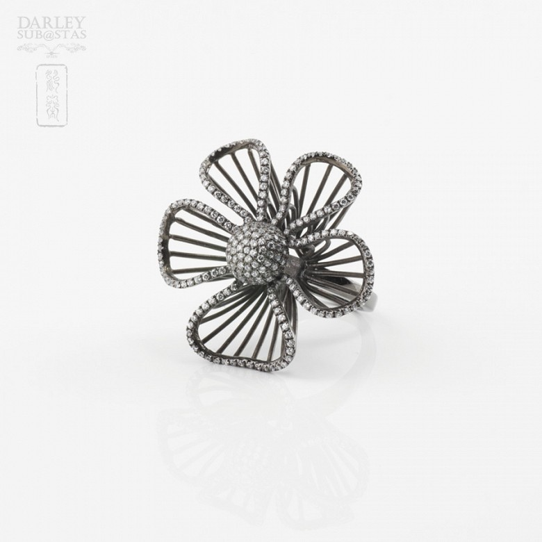 Fantástico anillo en plata ley con rodio negro