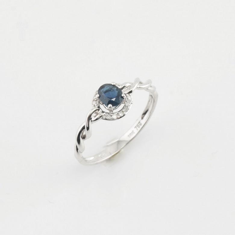 18K白金镶钻石配蓝包石戒指 - 4