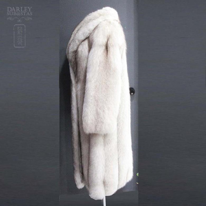 Abrigo de piel de zorro blanco largo. - 5