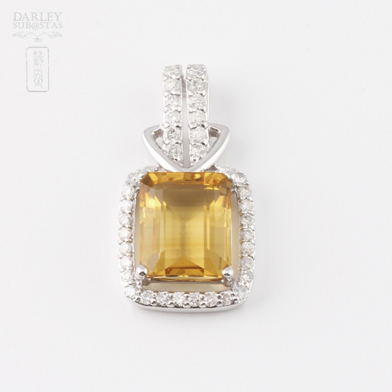 Pendant with 3.47cts citrine and diamonds in 18k white gold