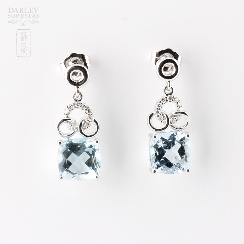 Earrings with  4.54cts  Aquamarine and Diamond in 18k White Gold