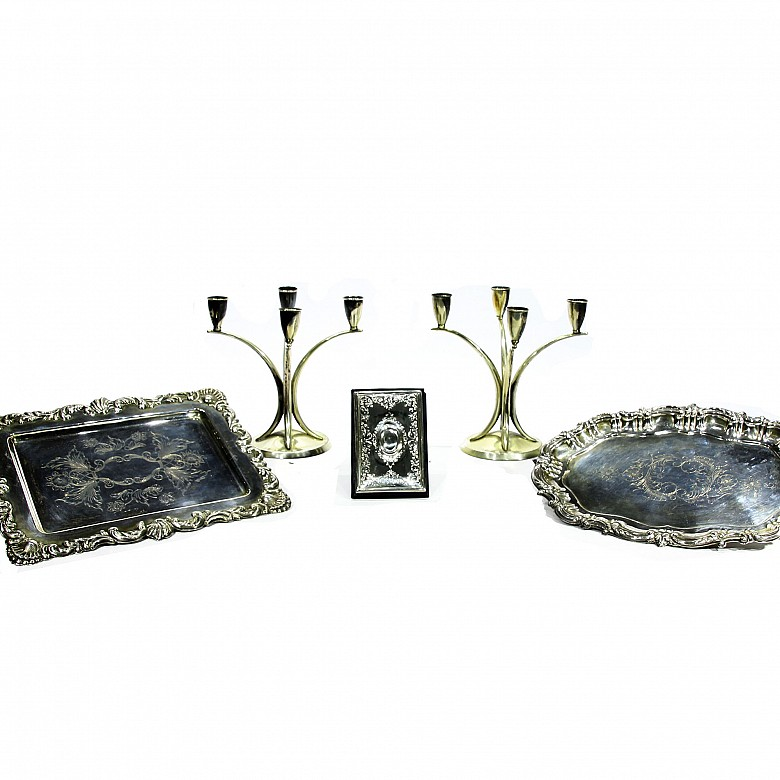 Juego de cinco objetos de plata, med.s.XX
