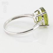 Bonito anillo con diamantes y peridoto en oro blanco 18k - 3