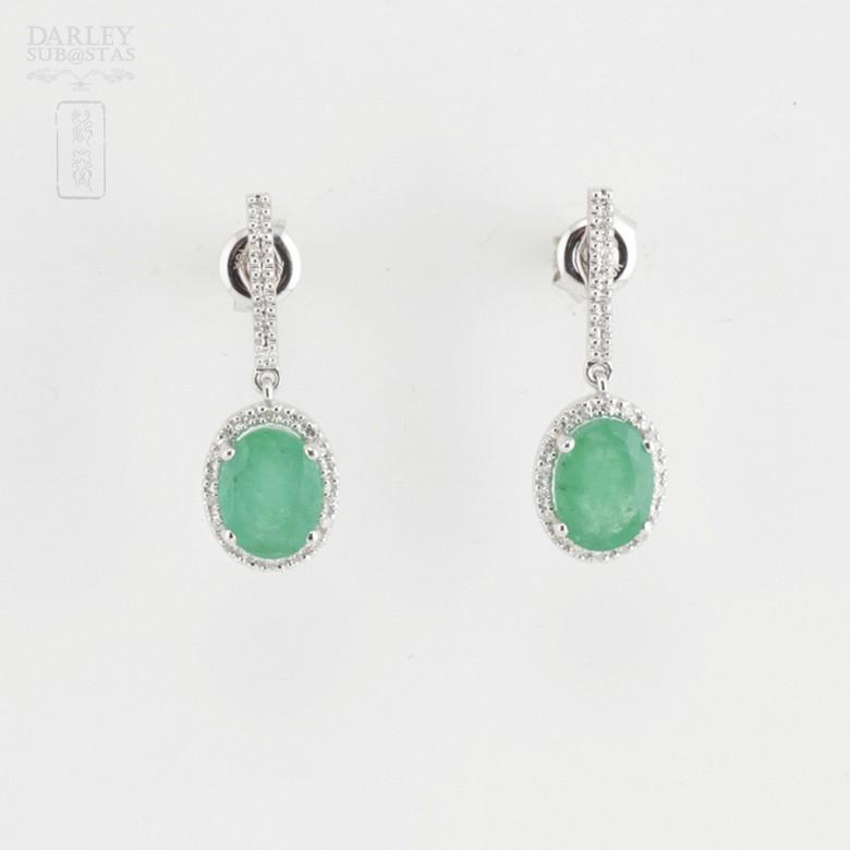 18k白金配祖母绿镶钻石耳环