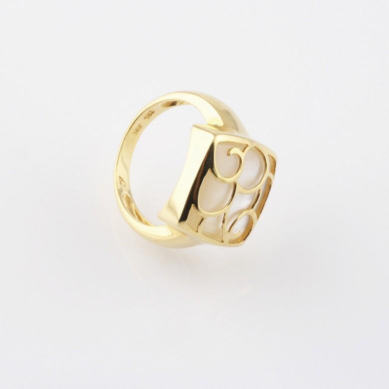 天然珍珠质配18K黄金戒指 - 3