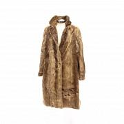 Abrigo de piel de castor largo.