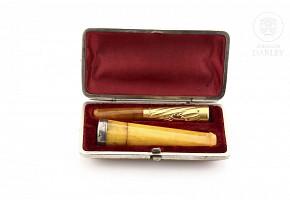Conjunto de dos boquillas en ambar, plata y oro, s.XIX