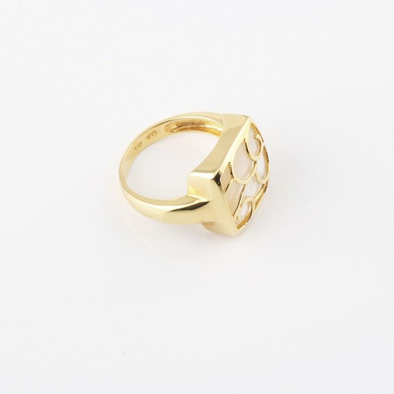 天然珍珠质配18K黄金戒指 - 1