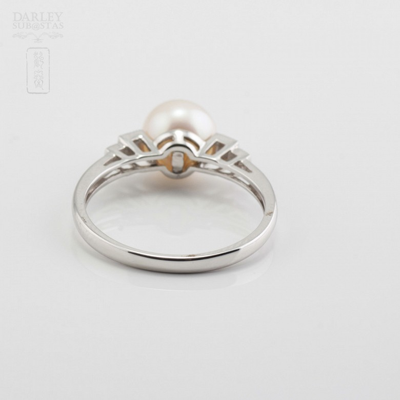 Ring with Natural Pearl in White Gold and Diamonds - 2