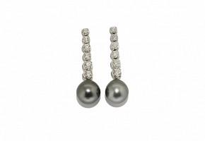 Pendientes en oro blanco de 18k con brillantes y perlas de Tahití.