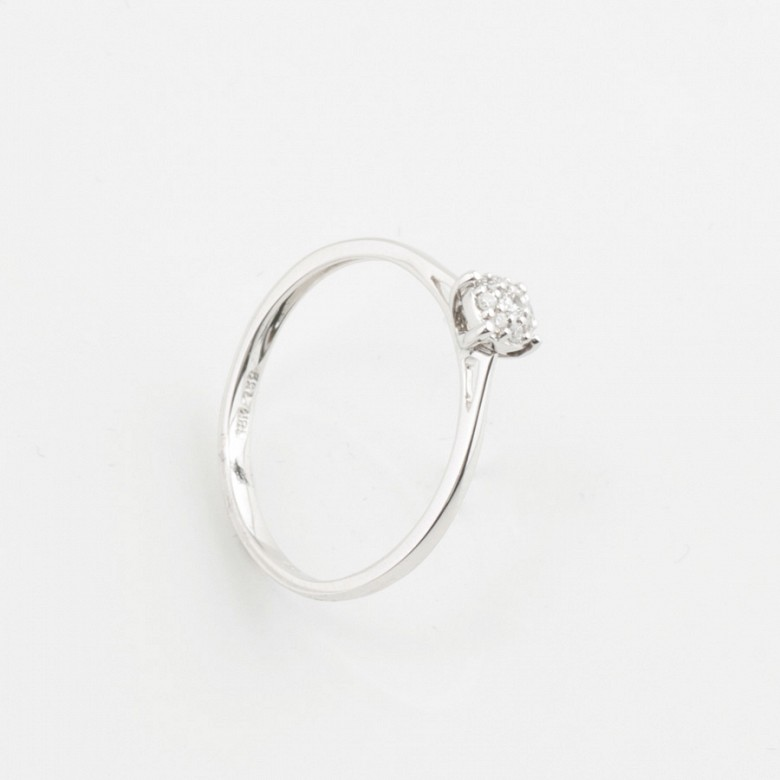 Ring in 18k gold and diamonds 0.11cts - 1
