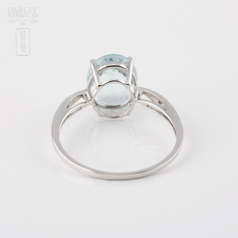 Ring with Aquamarine 1.98 cts and diamonds in 18k white gold - 1