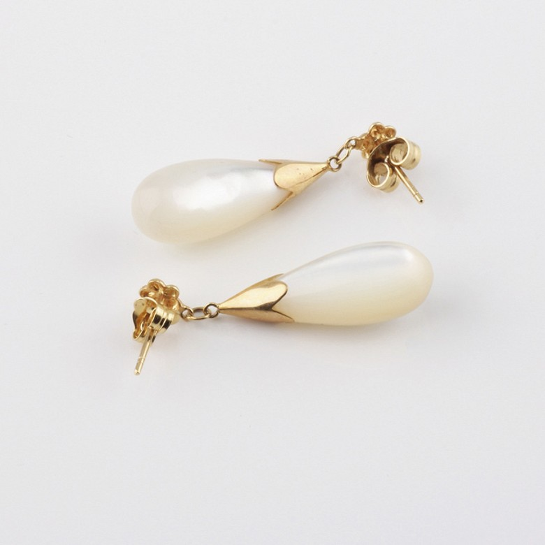 earrings natural pearl  in 18k yellow gold - 2