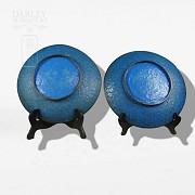 Pair of enameled plates - 4