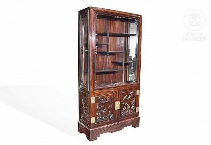 Aparador-vitrina de madera hongmu, pps.s.XX