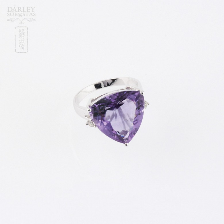 Ring with amethyst and diamonds in 18k white gold. - 4