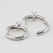 Pair of earrings in 18k white gold and diamonds - 3
