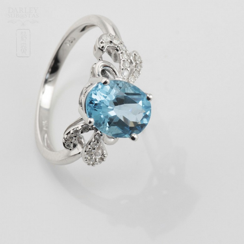 Beautiful diamond ring and blue topaz