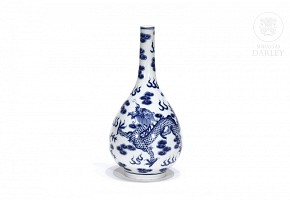 Vase in blue and white,