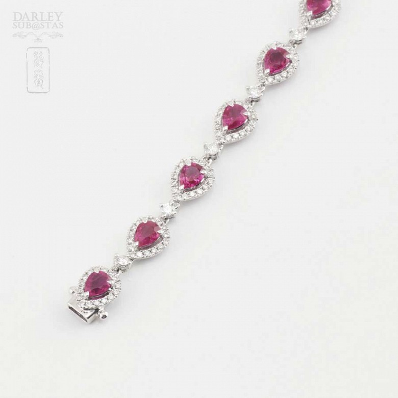 18k white gold bracelet with rubies and diamonds. - 9