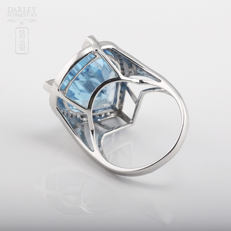 Ring with Topaz 17.27 cts and Diamonds in  White Gold - 1