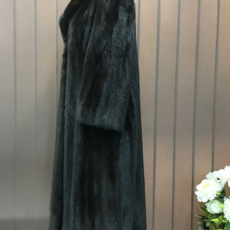Nice mink fur coat dark brown color and long cut. - 2