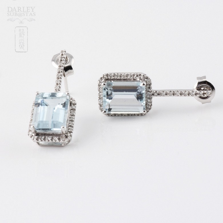 Earrings 4.55 cts Aquamarine and diamonds in 18k white gold