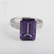 Ring with amethyst 6.93cts and diamonds in white gold - 1
