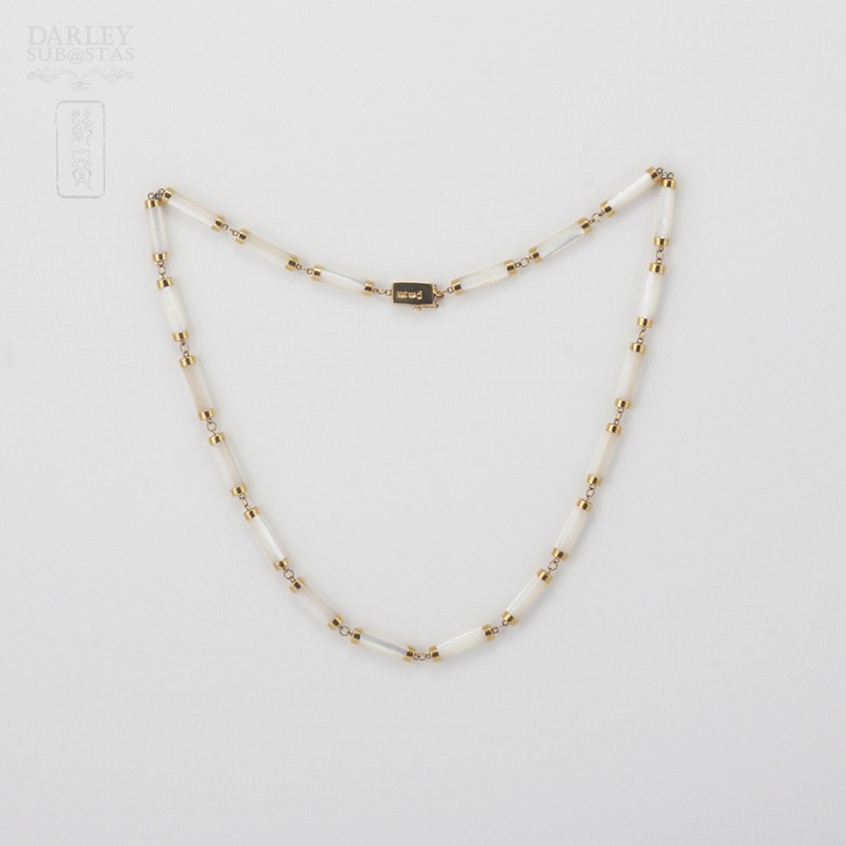 Necklace Natural nacre  in yellow gold