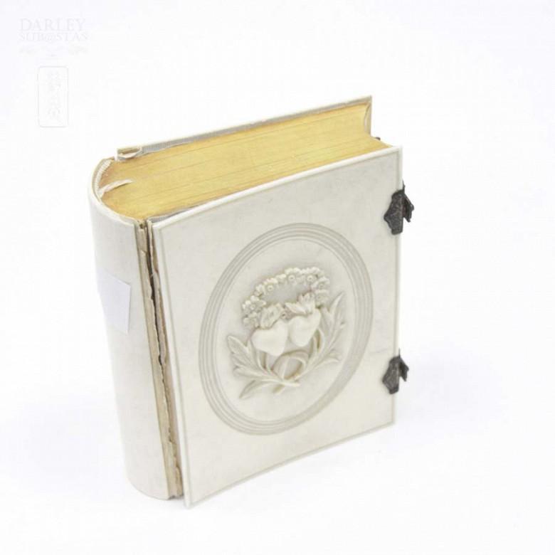 Ivory Missal, meds.s.XIX. - 10