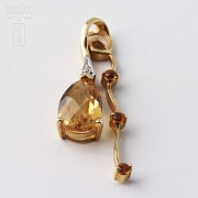 Pendant with citrine  2.72cts and diamonds in Yellow Gold