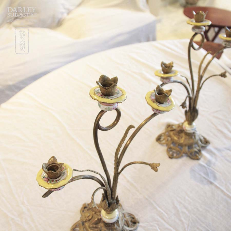 Candelabros de bronce y cermica brass and ceramic chandeliers aloadofball Image collections